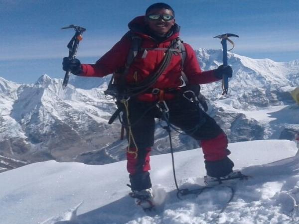 Lhakpa Sona Sherpa Expert Trekking & Climbing Guide